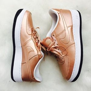 NIKE Air Force 1 Rose Gold 877083 901 Sz 6.5Y NWT